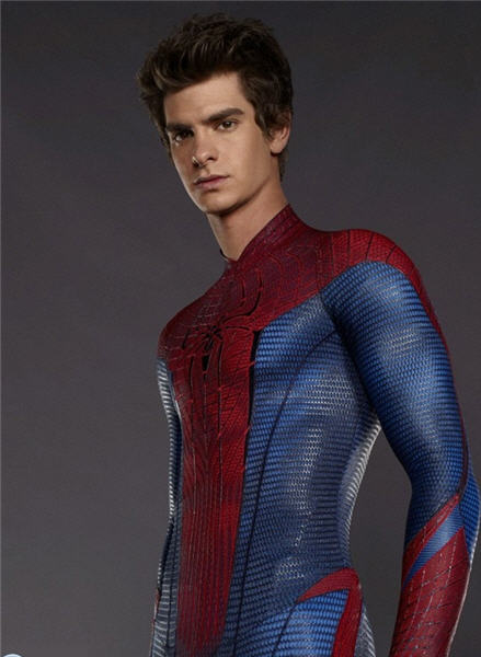 andrew_garfield_spider_man_suit1