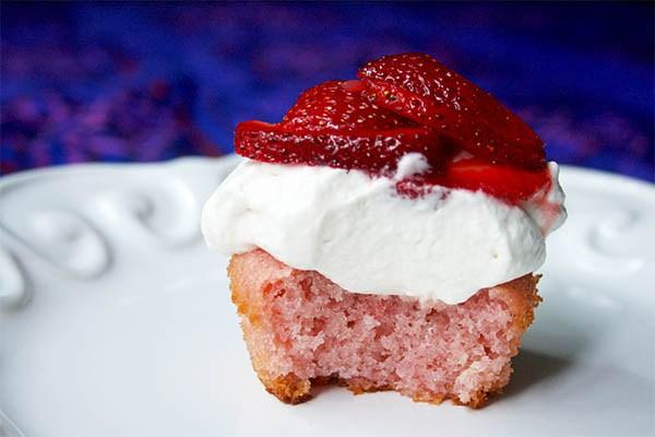 fresita_strawberry_cupcake_7
