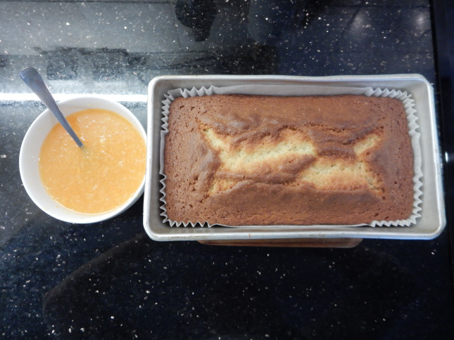 The baked cake and the tangerine juice