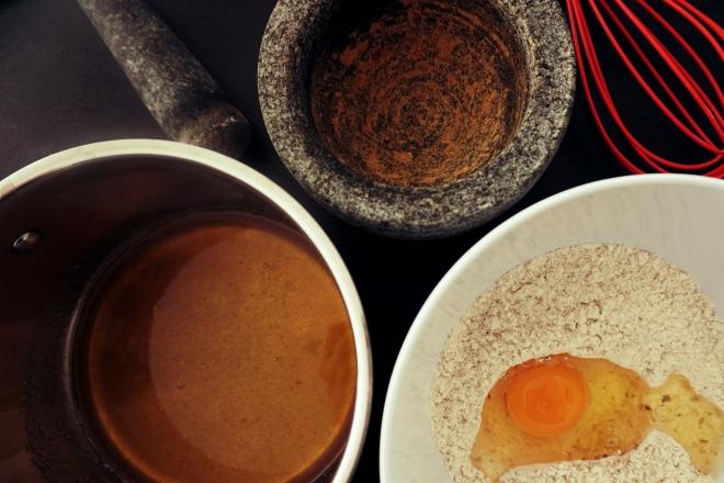 pain d'épices 4 - adding the egg